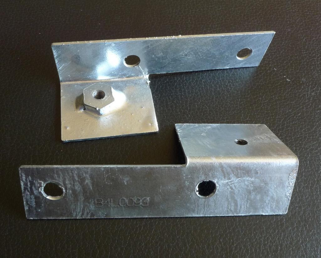 Land Rover Series 3 Galvanized Wing Mounting Brackets