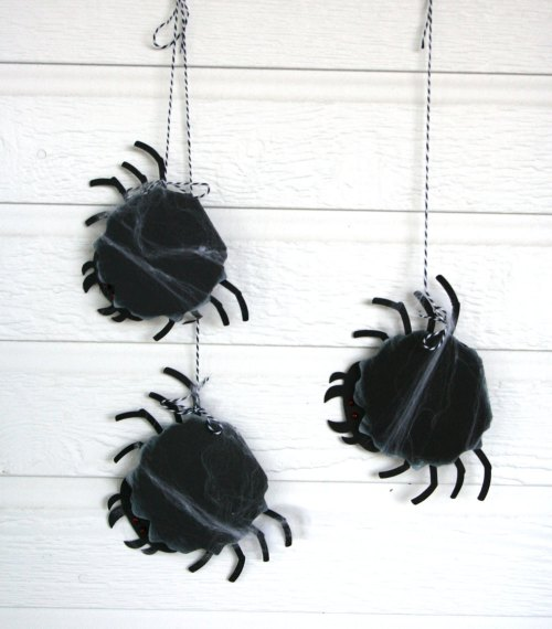 spider halloween party invitations from @bandppaperlab