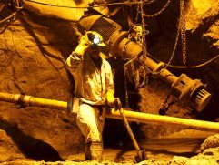 Mining sector bloodbath: Sibanye Gold now considers cutting over 7000 jobs