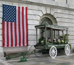 Jesup wagon in front of the US Department of Agriculture