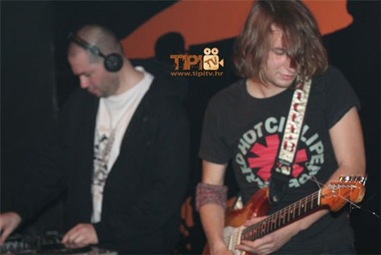 tipi_tv_party