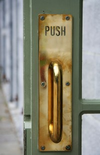 Push Door & Push Door Open Stumps Burglar