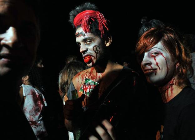 Zombis en San Antonio de los Baos, la vspera de Halloween