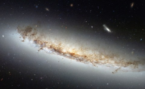 NGC 4402 (credit: NASA - ESA)