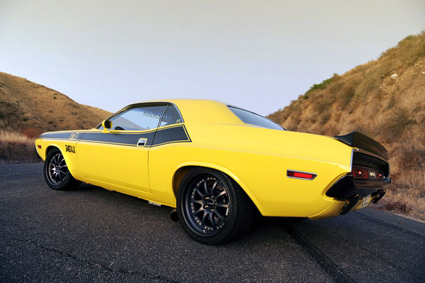 Review 1970 Hotchkis E-Max Dodge Challenger causes smiles lasting