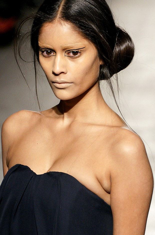 Fall 2011 Hair: All About Sleekness, Texture and Elegance ...