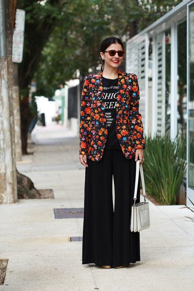 blog-da-alice-ferraz-look-tshirt-blazer-floral (1)
