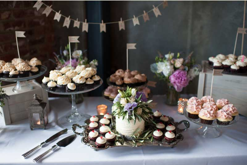 comemoração brinde com bolo