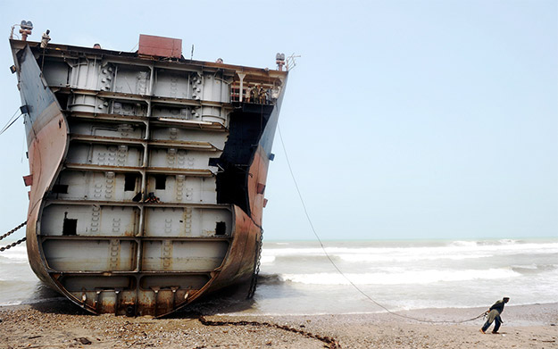 the-ship-breakers2