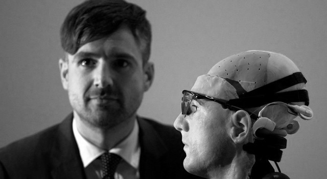 cientifico y el primer hombre biónico (Londres, 2013)