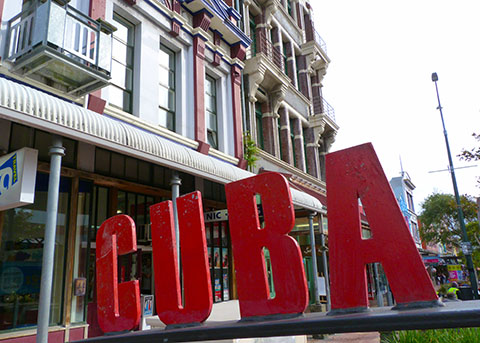 Cuba St sign