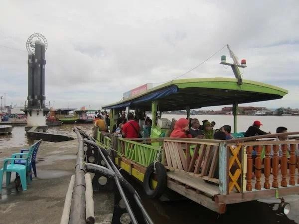 Perahu Galaherang Taman Alun Kapuas Pontianak