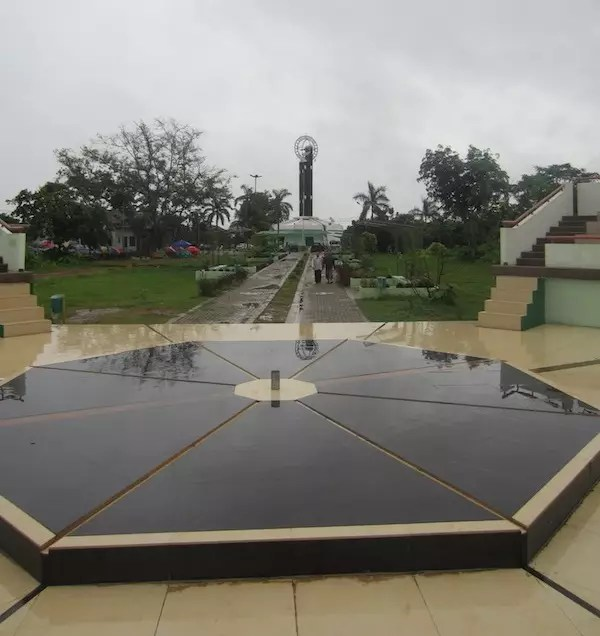 Tugu Khatulistiwa Pontianak - Titik Equator Baru