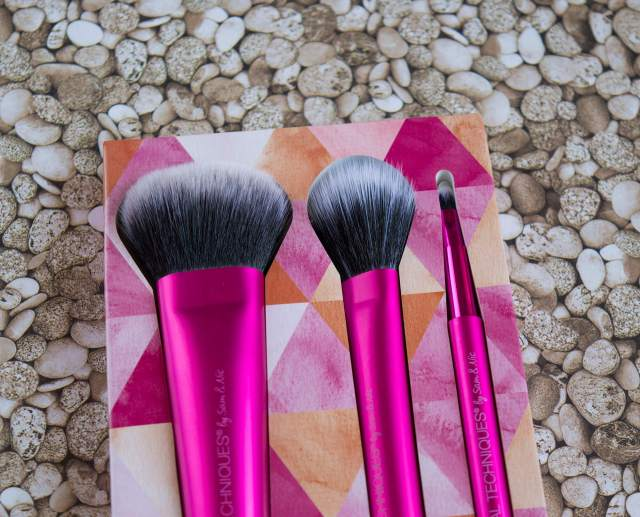 real techniques brushes - limited edition cheek and lip set (3)