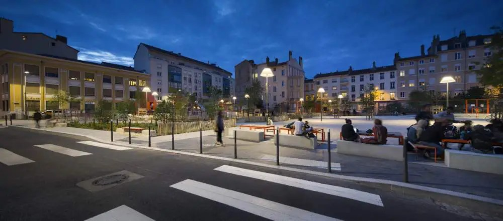 Lyon by night, Place Mazagran