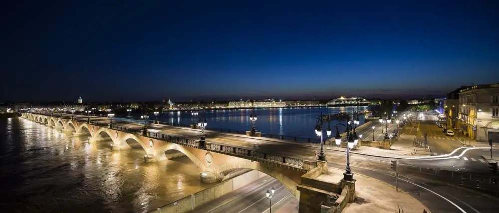 Pont de Pierre, Bordeaux by night