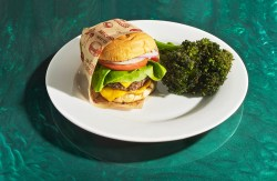 Genuine Belcampo Meat Burgers Los According To Chefs Gordon Ramsay Burger Recipe Dijon Gordon Ramsay Burger Recipe Egg