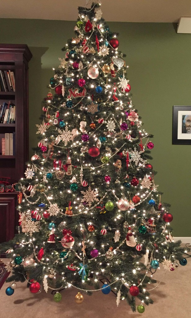 19 steps to a perfectly decorated Christmas tree - beautiful decorated christmas trees