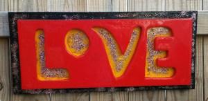 Solet-love-sign-glitter