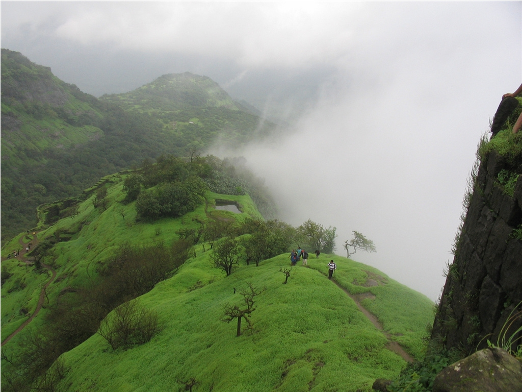 10 Breathtakingly Beautiful Places In Pune You Must Visit