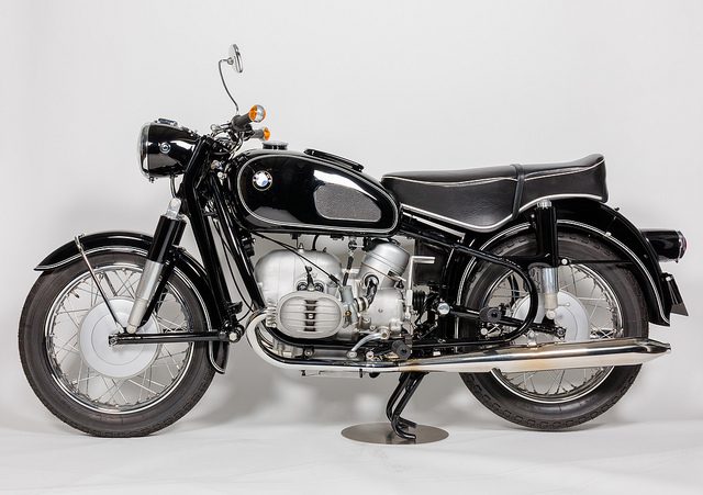 The Completely Vintage R60/2 - BMW Motorcycle Owners of America