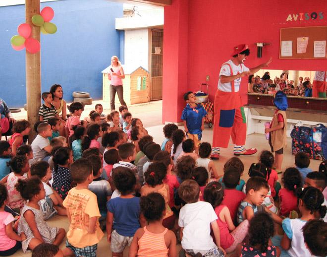 B'nai B'rith SP leva alegria e reforça o valor do respeito, junto às crianças do Centro de Educação