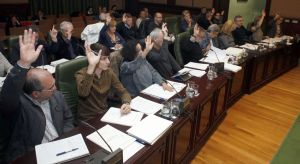 Pleno da Corporación de Ribeira (foto arquivo). Fonte: La Voz de Galicia