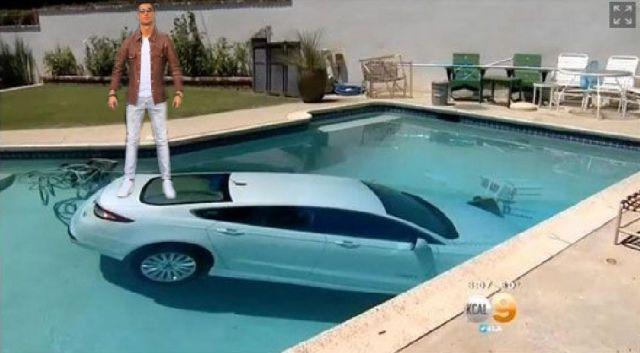 ronaldo-coche-en-piscina