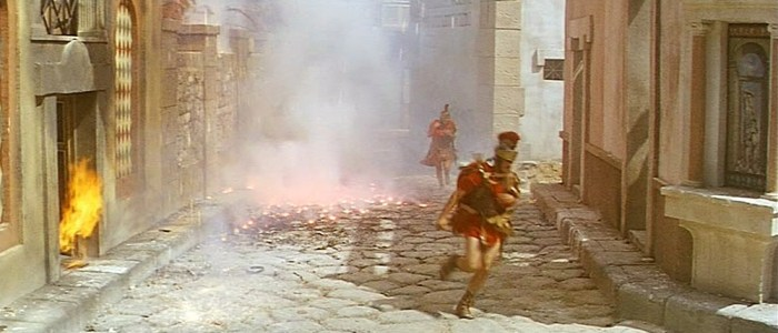 """Pas facile de fuir la fin du monde en sandales dans """"Les derniers jours de Pompéi"""" (1959)"""