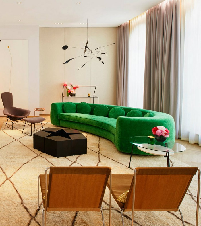 Seductive Curved Sofas For A Modern Living Room Design