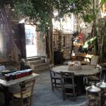Kahve Evi Hasan Fidan Kuru Kahveci cafe courtyard