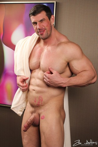 big-dick-bodybuilder-naked-zeb-atlas-nude-muscle-naked