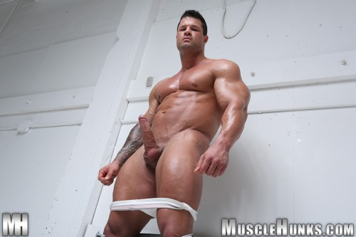 big-dick-muscle-bodybuilder-nude