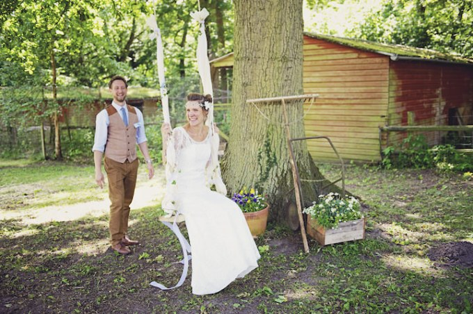 23 Rustic Garden Party Wedding By Candid & Frank Photography
