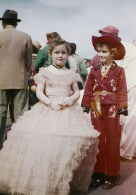 Childern_in_1956_Mardi_Gras.jpg