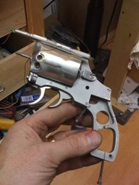 Adams-Blade-Runner-Gun-01