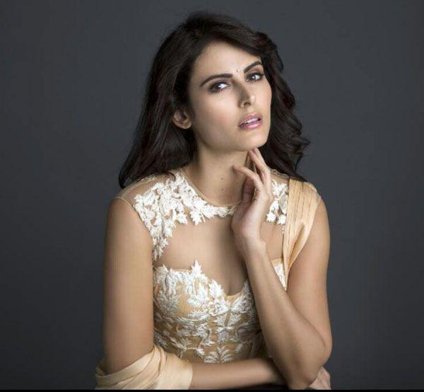 Girl Boss Wallpaper Hd Mandana Karimi Goes Back On Her Divorce Statement Says