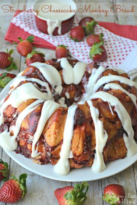 *Strawberry-Cheesecake-Monkey-Bread-3c