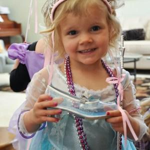 Cinderella's shoe scavenger hunt! LOVE this idea!