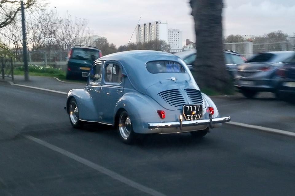 modele cv avec image voiture