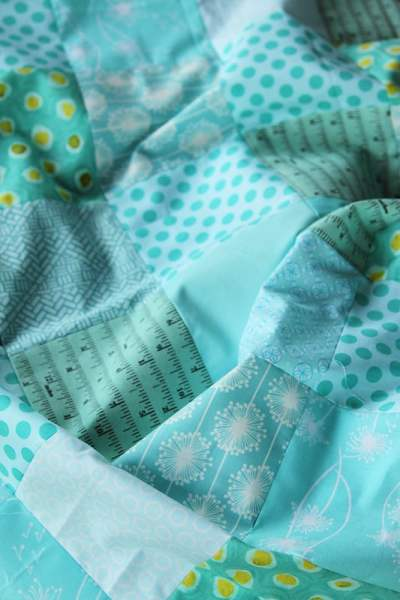 Lattice Love - a modern baby quilt tutorial by Kirsty of Bonjour Quilts