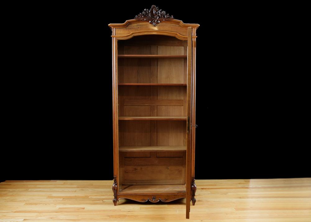 Antique Book Shelves Best 2000 Antique Decor Ideas