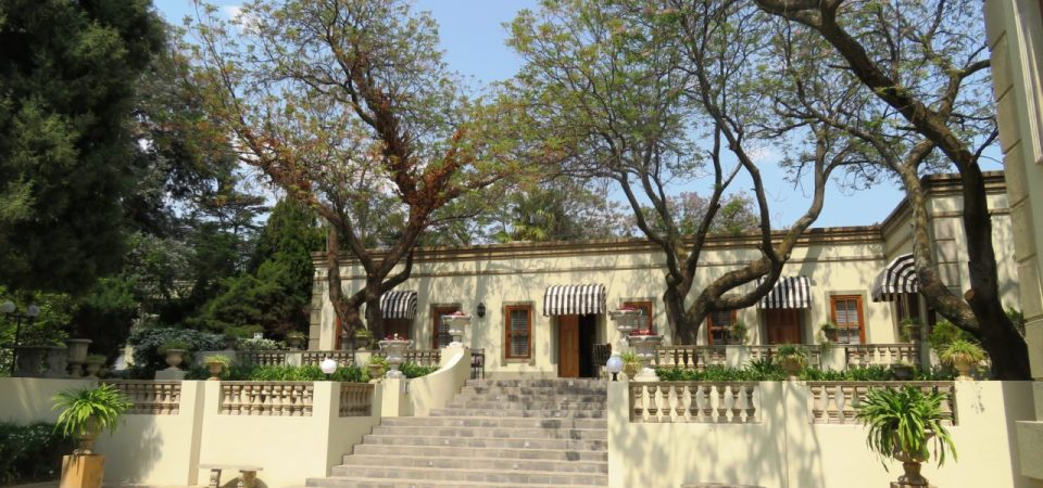 Fairlawns Hotel in Johannesburg ~ Ideal Gateway to South Africa