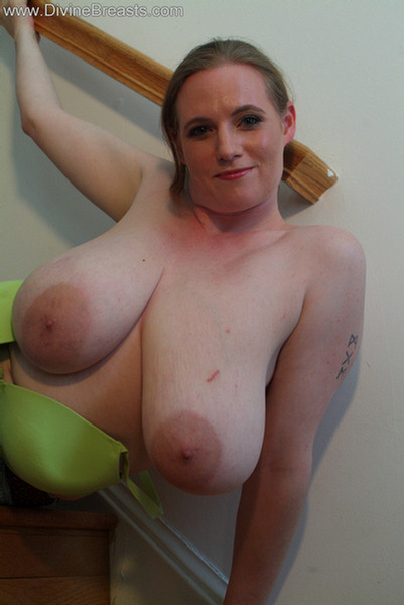 image Milf with big tits and big booty live webcams