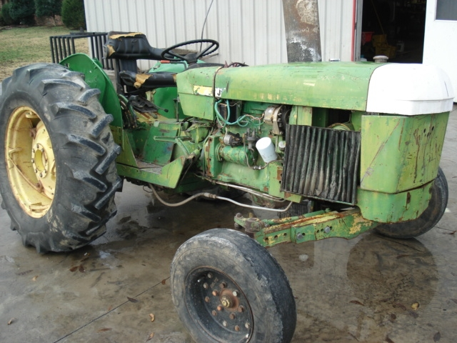 John Deere 2040 salvage tractor at Bootheel Tractor Parts