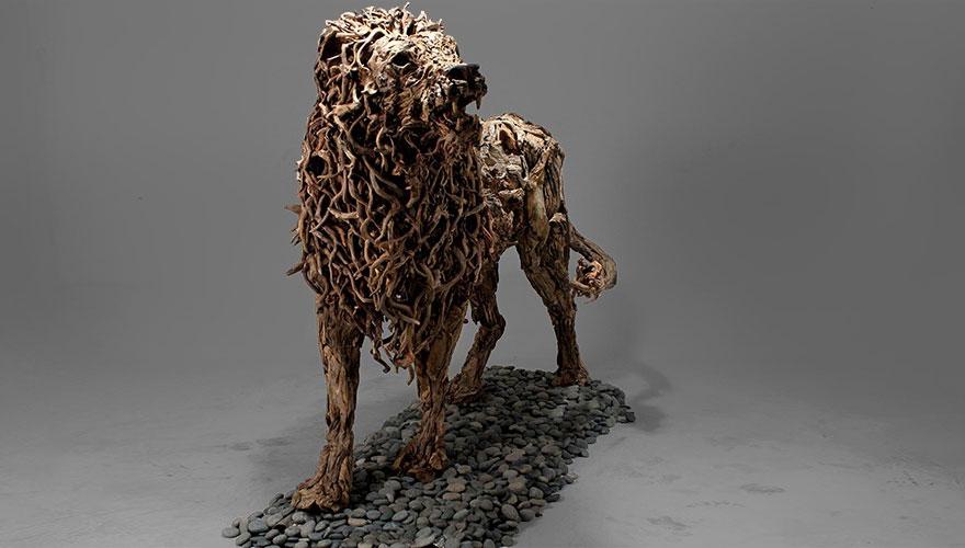 esculturas-criaturas-madera-deriva-james-doran-webb (6)
