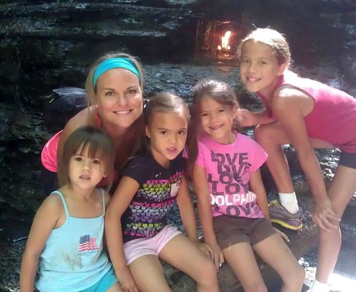4-hijas-adoptadas-madre-fallecida-cancer-cerebral-elizabeth-diamond-laura-ruffino (4)