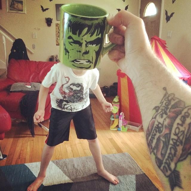 hijos-superheroes-tazas-desayuno-lance-curran (2)