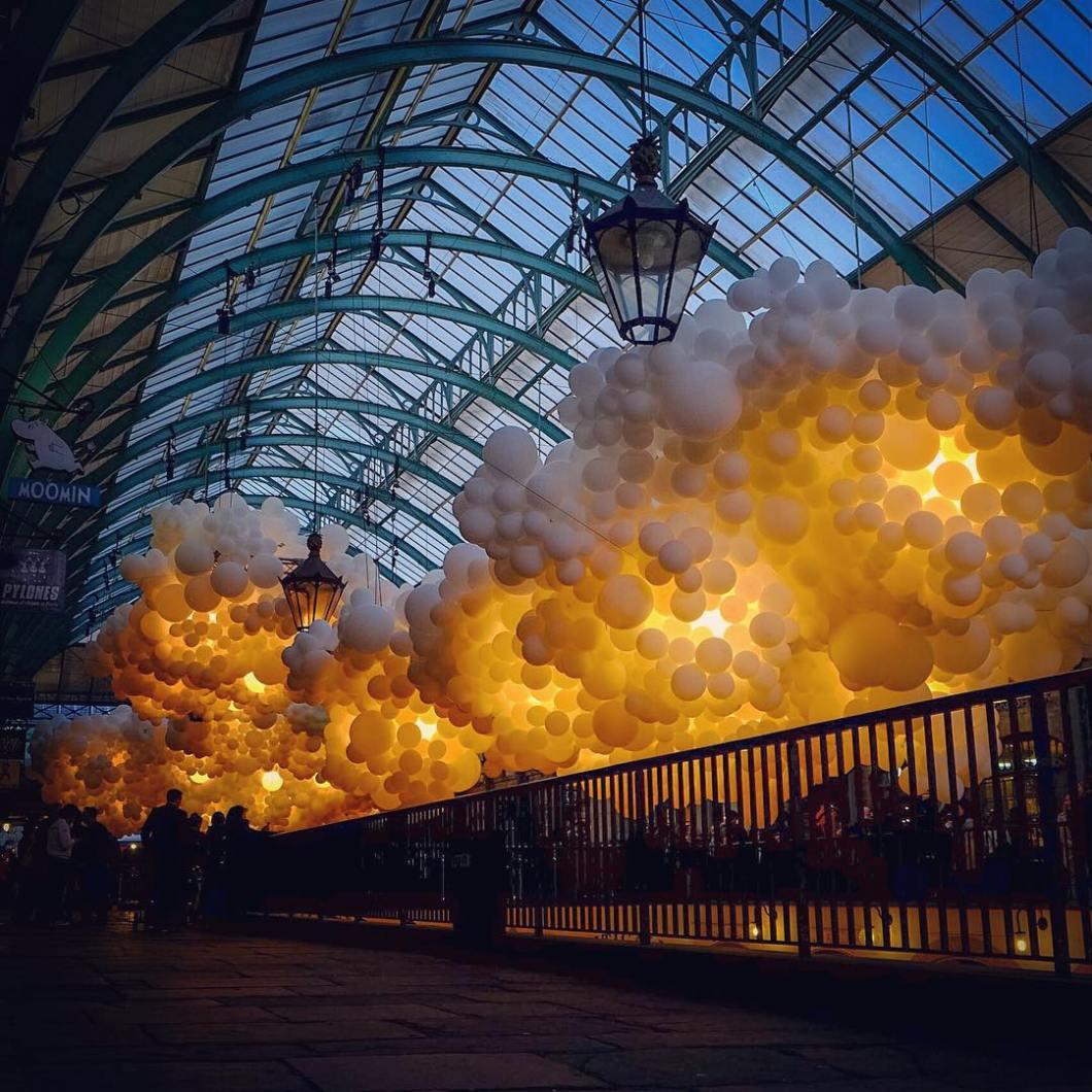 instalacion-globos-mercado-covent-garden-charles-petillon (8)