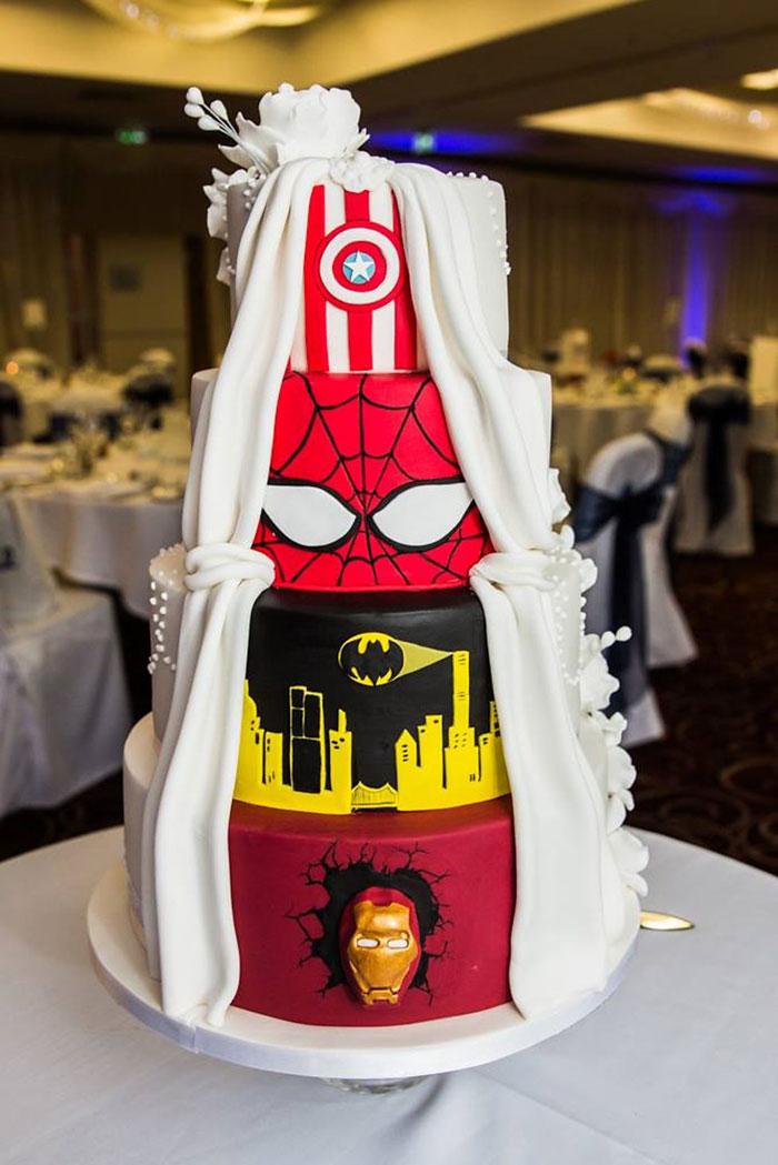tarta-bodas-doble-clasica-superheroes-tier-by-tier (2)